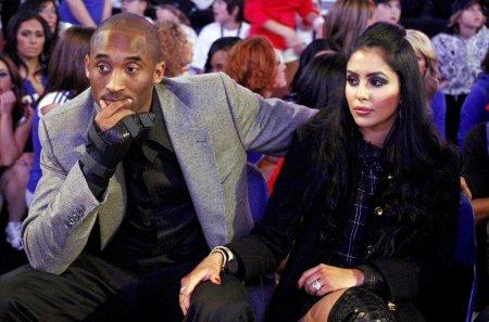 Vaduva baschetbalistului Kobe Bryant spune ca a aflat de moartea sotului ei de pe retelele de socializare. Mi-au aparut notificari pe telefon
