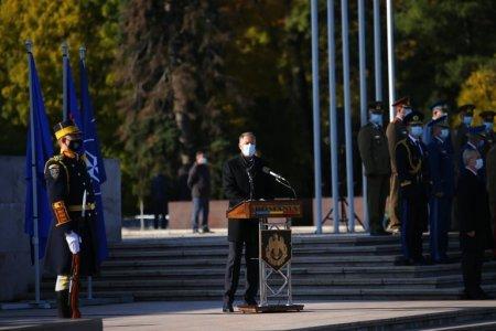 Klaus Iohannis, omagiu de Ziua Armatei: Romanii si-au pastrat constant increderea in armata