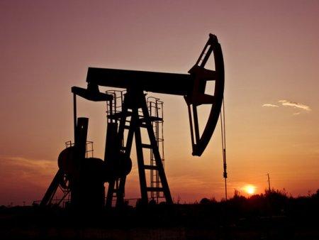 Pretul petrolului explodeaza din cauza ofertei scazute. Analistii preconizeaza corectii