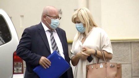 Elena Udrea, audiata astazi in dosarul de coruptie. A <span style='background:#EDF514'>REFUZ</span>at sa intre in sala de judecata