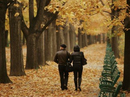 Vremea se raceste brusc la sfarsit de octombrie. Zilele <span style='background:#EDF514'>FRIG</span>uroase vor alterna cu cele calde