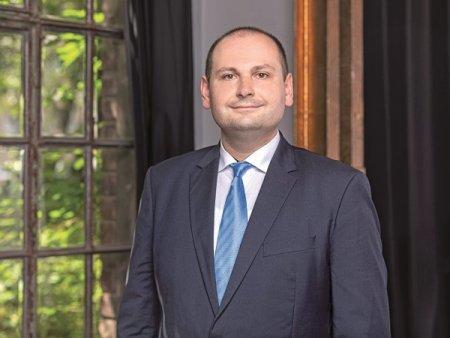 Petru Andronic, country manager la Sportisimo Romania: A fost un an imprevizibil din cauza pandemiei, dar preconizam o crestere de peste 10%. Vom termina anul cu <span style='background:#EDF514'>NOUA</span> magazine noi