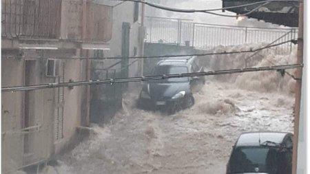 Sicilia, lovita din greu de inundatii si alunecari de teren