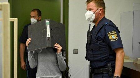 <span style='background:#EDF514'>MIREASA</span> ISIS din Germania si-a primit pedeapsa dupa moartea unei fetite de cinci ani, legata si lasata sa moara in soare