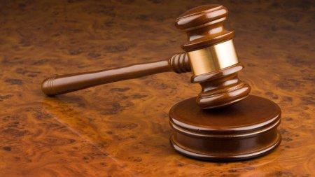 O avocata falsa a participat la mai multe procese. A ajuns pe mana procurorilor, dar a scapat de condamnare