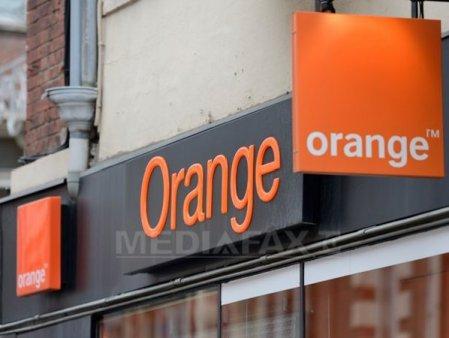 Orange a incheiat primele noua luni ale anului cu o cifra de afaceri de 273 milioane de euro, similara cu aceeasi perioada a anului trecut, in p<span style='background:#EDF514'>ARAL</span>el cu cresterea usoara a numarului de clienti, cu 1,7%