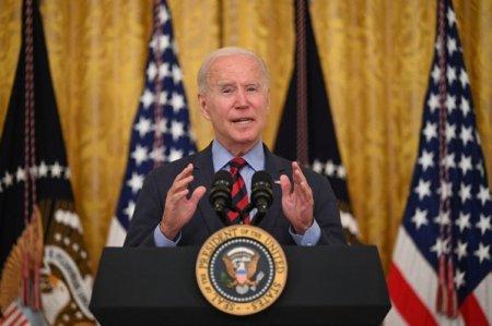 Administratia Biden se pregateste sa impuna companiilor cu peste 100 de angajati sa se asigure ca acestia sunt vaccinati sau testati saptamanal. Mediul de business se teme ca decizia va provoca un exod al fortei de munca si ii cer presedintelui american sa amane decizia pana dupa sarbatori