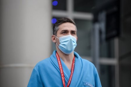 Valeriu Gheorghita stie cum va evolua pandemia: Prin vaccinare, <span style='background:#EDF514'>BOALA</span> se transforma intr-o banala raceala