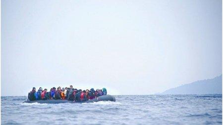 Trei copii au <span style='background:#EDF514'>MURI</span>t dupa ce o barca s-a scufundat in Grecia