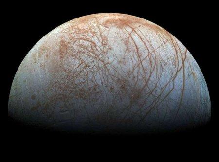 O Luna mai mica: Misteriosul satelit al planetei Jupiter (VIDEO)