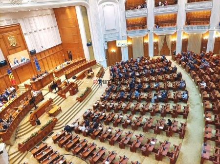 UDMR sustine un armistitiu politic de trei luni, urmat de refacerea coalitiei cu PNL si USR