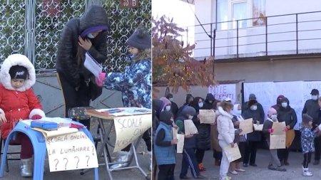 Capitala europeana fara curent: Zeci de familii din Bucuresti stau la lumanare. Nicusor Dan, fii uman