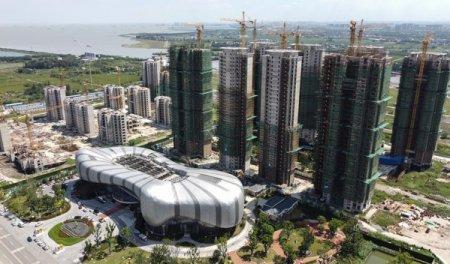 Autoritatile chineze i-au spus fondatorului Evergrande sa isi foloseasca proprii sai bani pentru a plati datoriile companiei, care depasesc 330 mld. dolari. Averea miliardarului reprezinta 2,3% din total