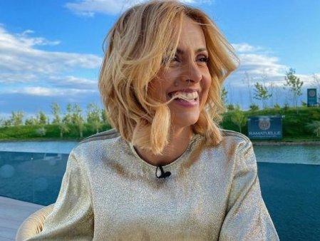 <span style='background:#EDF514'>MIREASA</span> 2021, sezonul 4. Simona Gherghe s-a tuns. Cum a aparut prezentatoarea tv azi in emisiune