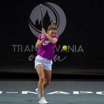 LIVE <span style='background:#EDF514'>SIMONA HALEP</span> - Gabriela Ruse in primul tur la Transylvania Open