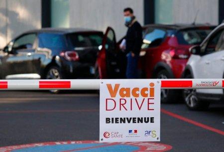 Reteta Frantei pentru a accelera vaccinarea: Persoanele cu idei ciudate despre vaccin au avut acces limitat la TV