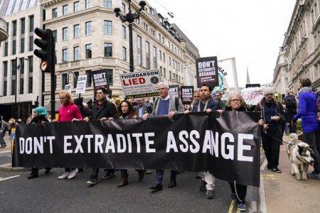 Statele Unite fac apel la decizia curtii de justitie britanice in privinta extradarii fondatorului WikiLeaks. Care este <span style='background:#EDF514'>STARE</span>a lui Julian Assange