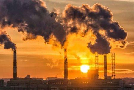 Bancile evita sa mai dea credite firmelor care nu comunica transparent cum polueaza mediului