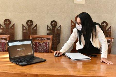 Doar unu din cinci profesori este pregatit pentru predarea online, anunta ministrul Educatiei