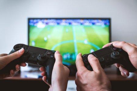Romanii s-au jucat mai mult in anul pandemic: Cifra de afaceri in industria jocurilor video a crescut in 2020 la 218 mil. de dolari, plus 19%