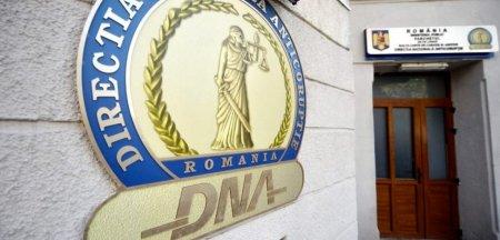 Consilier din Ministerul Dezvoltarii, retinut de DNA. Barbatul ar fi primit mita o masina de 80.000 de euro
