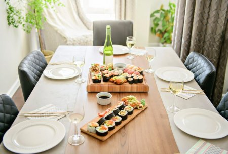 Cum se face sushi acasa. Trucurile de care sa tii cont