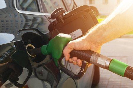 Alerta pentru toti romanii cu masini diesel! Romania a atins un pret record! Șoferii vor scoate mai multi bani din buzunar