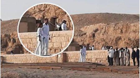 Imagini inedite cu Klaus si Carmen Iohannis in Egipt. Presedi<span style='background:#EDF514'>NTELE</span>, insotit de o coloana faraonica