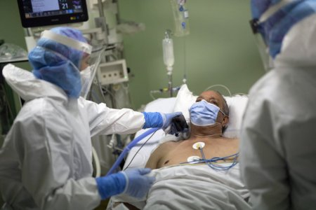 Mesajul ferm al unui medic in pandemie: de partea cealalta a baricadei e <span style='background:#EDF514'>MOARTE</span>a