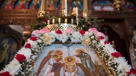Calendar ortodox 28 octombrie 2021. Sarbatoare cu cruce neagra